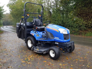 Iseki SXG326 Ride On Mower available at HandyCompatctTractors.co.uk
